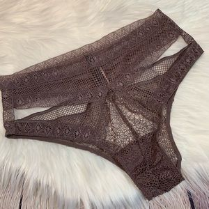 NWT Very Sexy High-Waist Lace Panty Small